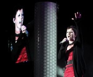Dolores O'Riordan chanteuse du groupe