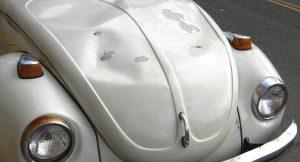 Découvrez nos conseils pour débosseler la carrosserie de votre véhicule !